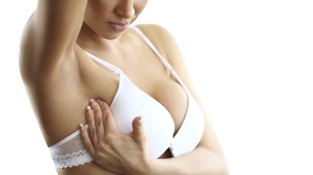 隆乳女性應多自我檢查乳房有無異狀